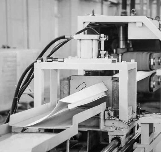 2001: Türkiye'nin ilk polimer cephe kaplaması American Siding'in üretimine başlandı.